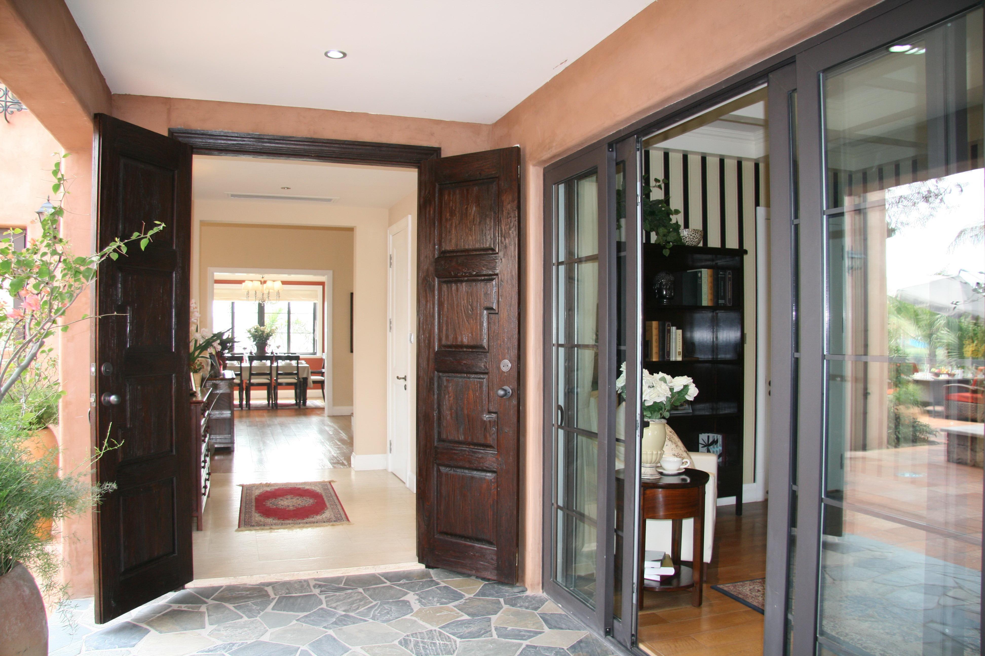 美式风格别墅入户门装修效果图装修效果图