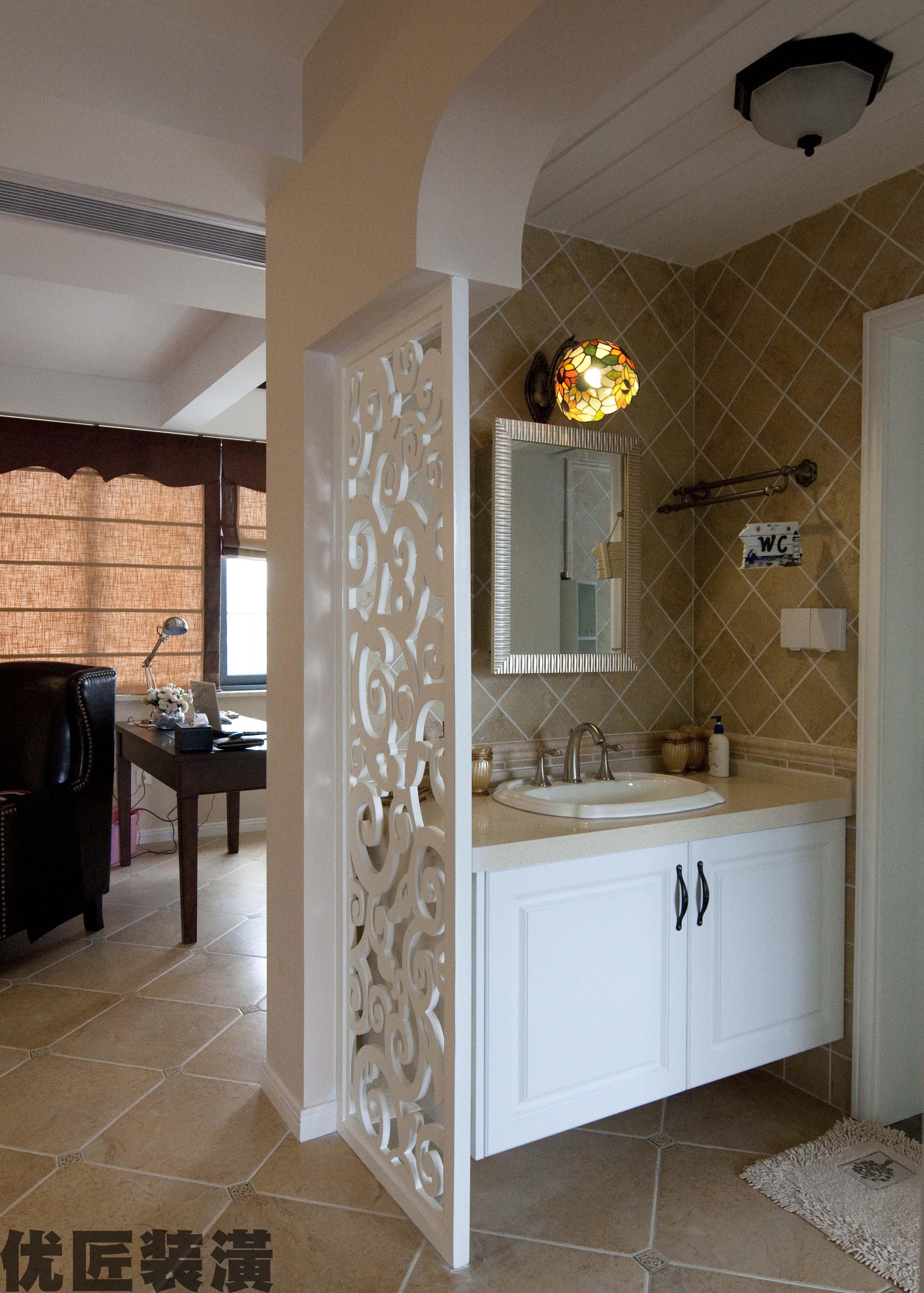 洗手间雕花隔断装修效果图