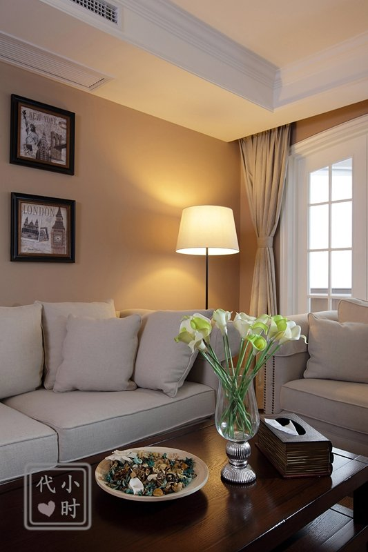 混搭风格二居室客厅软装配饰图片