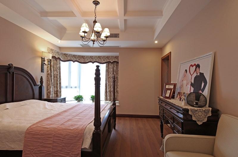 美式田园风格婚房卧室布置效果图