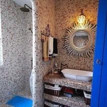 长方形小卫生间装修2