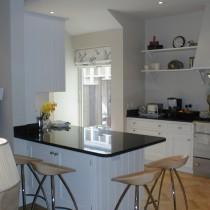 欧式厨房吧台装修设计图片7