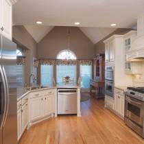 欧式厨房吧台装修设计图片2