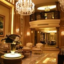 欧式别墅挑高客厅水晶吊灯设计6