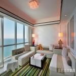现代风格海景房客厅led吸顶灯图片