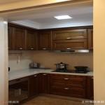 小厨房实木橱柜设计图片