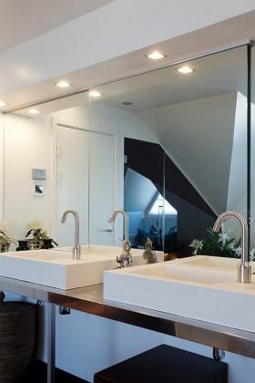 110平公寓卫生间洗手台装修效果图