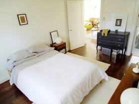 70平米公寓卧室装修效果图548