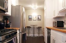 三居110平简约厨房装修效果图