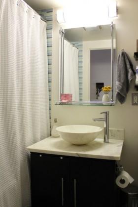 110平时尚公寓卫生间装修效果图