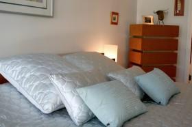 110平简洁卧室装修效果图