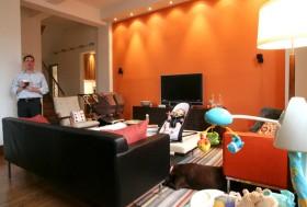 橙色客厅背景墙沙发装修效果图
