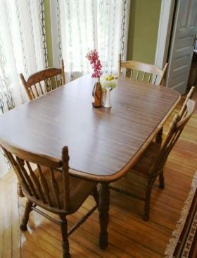 70平米餐厅餐桌装修效果图