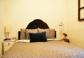 70平米公寓卧室装修效果图