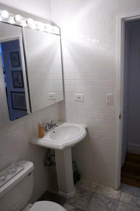 60平米公寓卫生间装修效果图