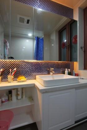 婚房卫生间装修效果图181