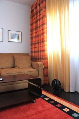 150平复式客厅窗帘装修效果图352