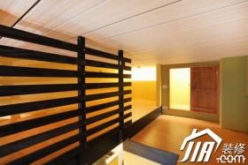 简单线条创意背景墙 33平色彩挑高户型