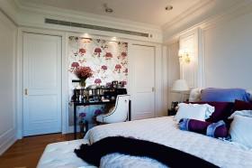 三居室卧室背景墙装修效果图110