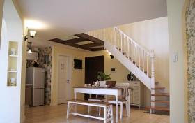 我的私人城堡 54平开放式LOFT楼梯