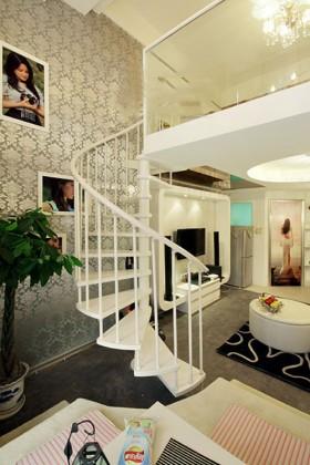单身贵族一居室 梦幻清新loft楼梯定制