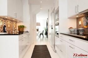 厨房放置一块专用地垫是实用与贴心的小窍门。
