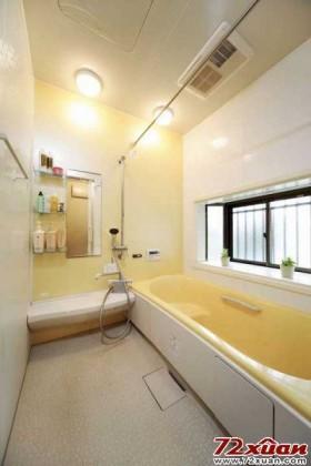 浴室采用暖黄色作主色调,在这里泡澡仿似沐浴在温暖阳光之中,实在是好享受呢!