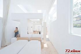 没有传统的隔断设计,而是采用能够相互嵌套的墙体。