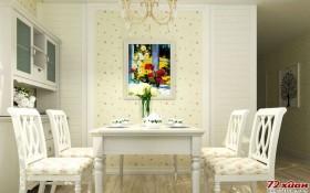 餐厅中只有一幅画作为点缀,并没有太多吸引注意力的的饰品,这样可以使吃饭的人不容分心。