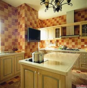 橙色的厨房朝气蓬勃。