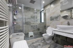 卫生间的装潢同样值得我们认真对待。