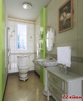 卫生间中的马桶,面盆,浴室柜都采用了白色带有金边花