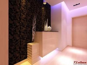 玄关的位置用鞋柜做处理,并用黑色花纹壁纸作为映衬。