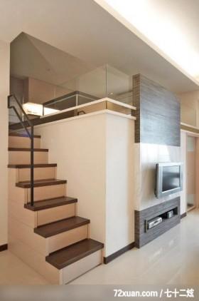 楼梯间,挑高设计,造型楼梯,楼梯收纳柜,造型电视