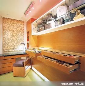 实用为本舒适为怀,龙发,卢成峰,卧室,阅读区,展示柜,收纳柜,