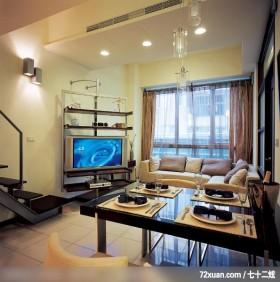 暐达_19,墨比雅设计团队,王思文,客厅,造型天花板,冷气摆放设计,阳台落地窗,电视柜,造型楼梯,