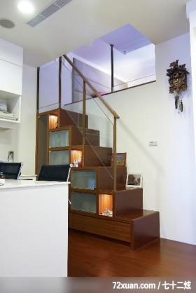 贝易_01_桃园县,墨比雅设计团队,王思文,楼梯间,造型楼梯,楼梯收纳柜,穿透设计,冷气摆放设计,