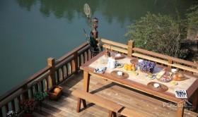 湖边复古风别墅设计