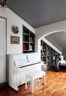 楼梯间储物装饰