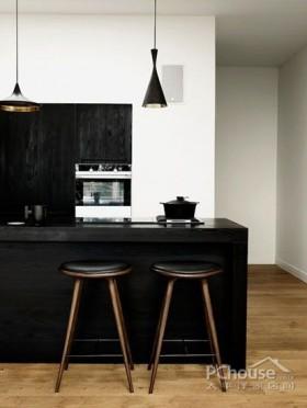 经典黑色系小户型厨房