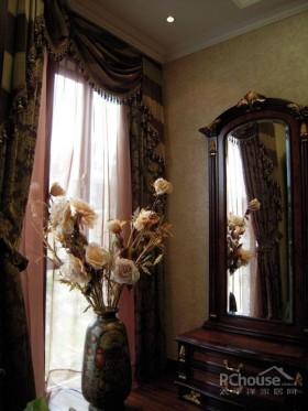 雍容华贵的古典欧式别墅设计
