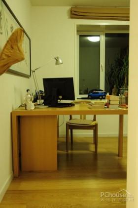 纯白简洁 设计师温暖住宅