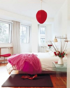 红色点缀 温馨白领公寓设计