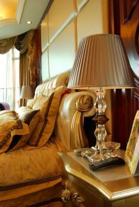 星艺装饰作品:珠江帝景 卧室床头软包装修