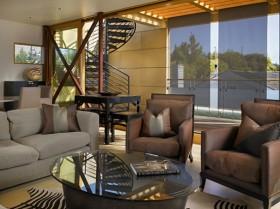 联合湖的舒适现代漂流屋