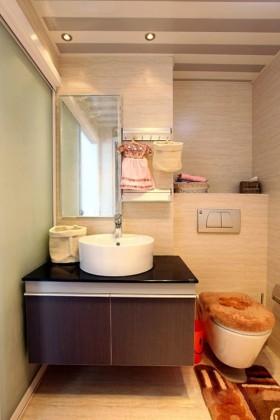 现代简约风格卫生间设计图片