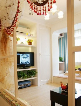 6万打造70平米田园家居客厅隔断饰品