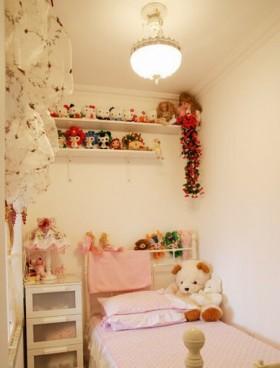 6万打造70平米田园家居卧室吊顶饰品