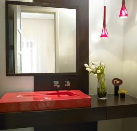 80后小户型浪漫婚房 简约的卫生间洗手台装修效果图