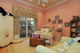 欧式简约粉色卧室装修效果图 女生卧室图片